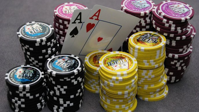 Poker Bluffing Tips